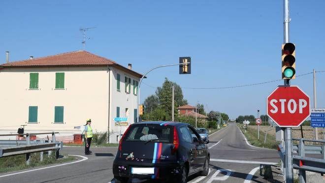 Il semaforo resterà in funzione 24 ore al giorno (Isolapress)