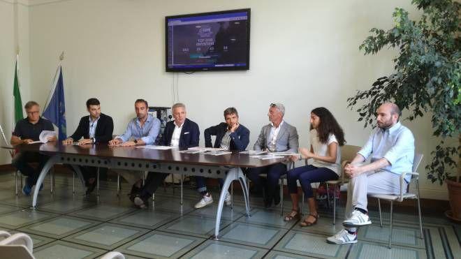 La presentazione al municipio della Spezia