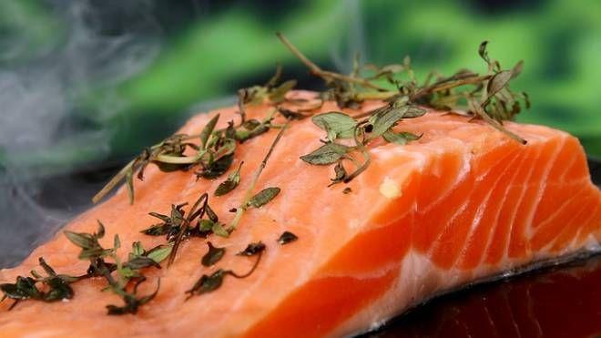 Foto Pixabay: salmone affumicato