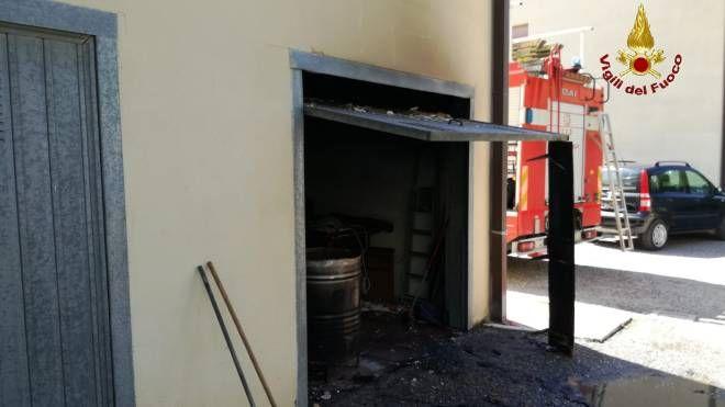 Il garage dove è scoppiata la bombola di Gpl