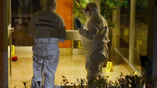 L'omicidio si consumò nell'atrio del palazzo dove Daniela Roveri abitava con la madre
