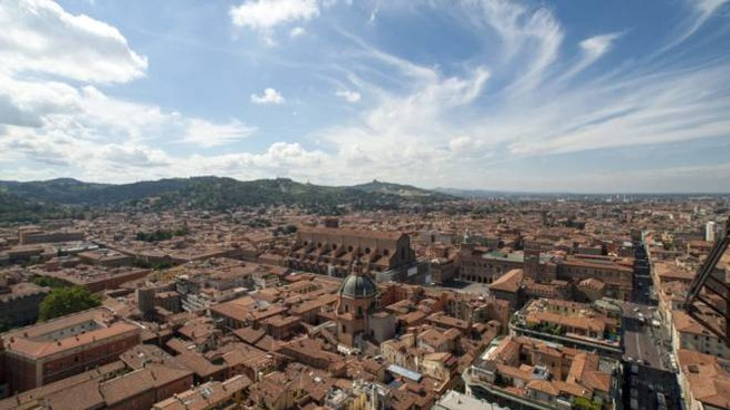 Foto di facebook: Bologna