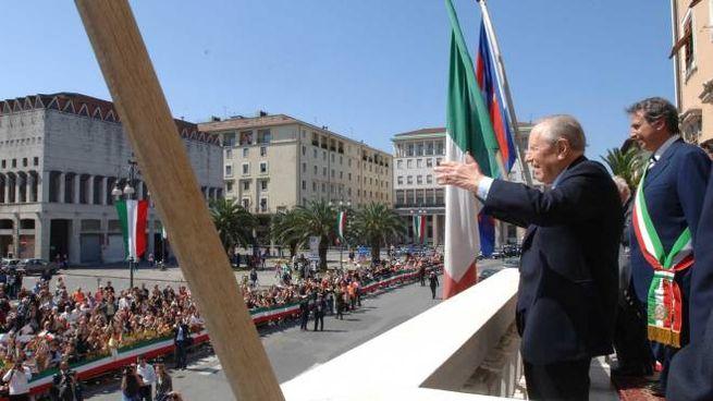 Ciampi in visita a Livorno (foto d'archivio Novi)