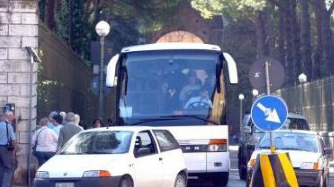 La giunta  ha deliberato lo stop ai bus turistici nella zona  dal  17 settembre  al 31 marzo