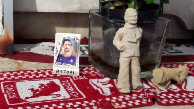 La figurina di Astori al sacrario di Superga