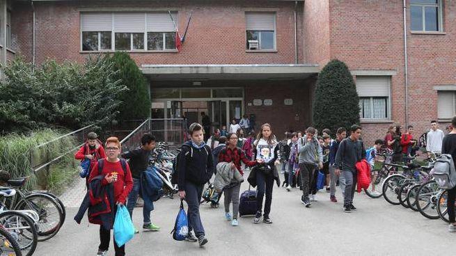Studenti all'uscita dalle scuole Valsalva
