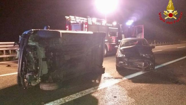 Le auto incidentate sull'A8