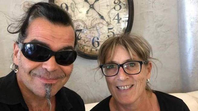 Il cantante Piero Pelù con Carla Menichetti del «Barbarossa»