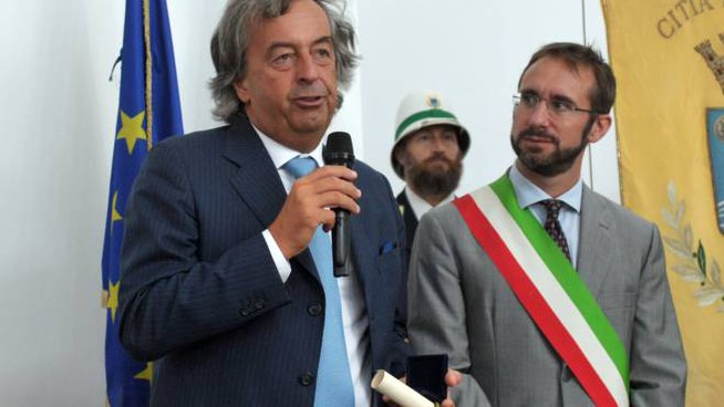 Il noto virologo Burioni col sindaco Micheli