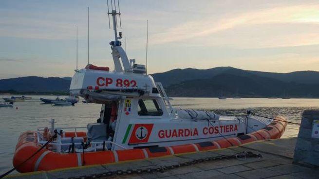La motovedetta intervenuta a Fetovaia
