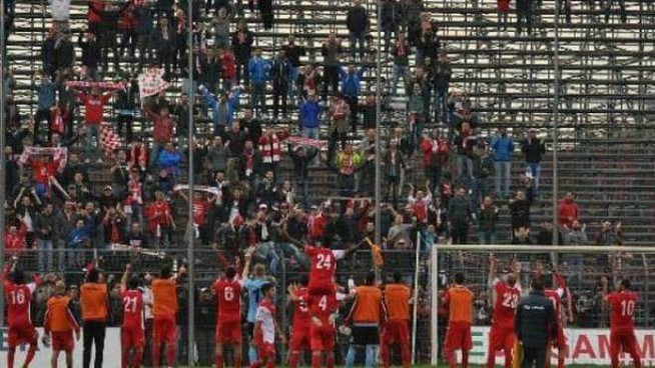"""Il pubblico del """"Martelli"""" ha sostenuto la squadra biancorossa dall'inizio alla fine"""