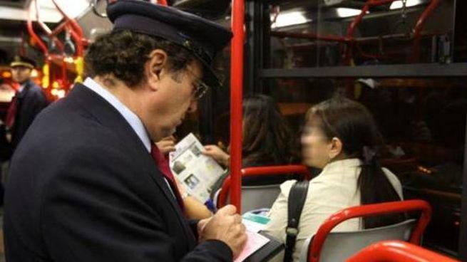 Controllore in autobus