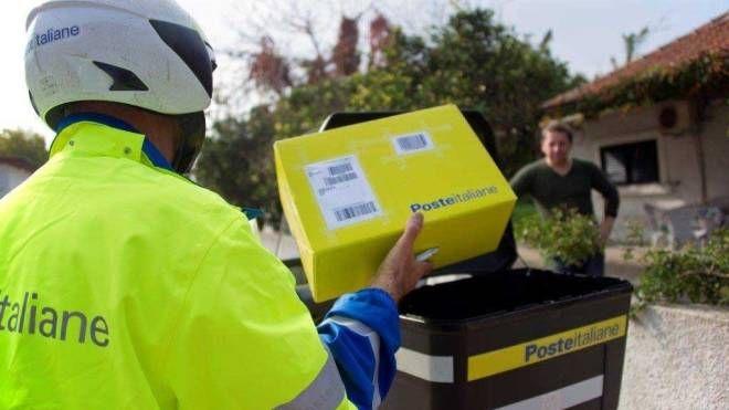 Consegna di un pacco postale