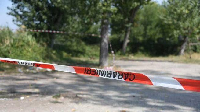 La zona del ritrovamento chiusa dai carabinieri per i necessari rilievi