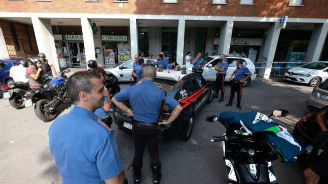 Carabinieri sul luogo della sparatoria (Newpress)