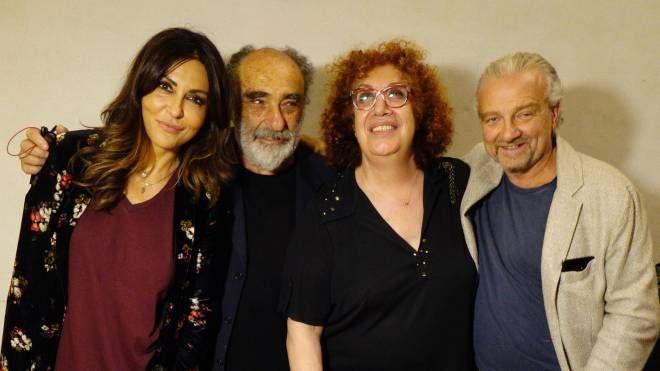 Da sin. Sabrina Ferilli, Alessandro Haber, Athina Cenci e Giovanni Veronesi