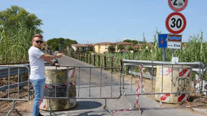 Il ponte sull'Elsa fra la frazione empolese di Marcignana e Isola, frazione di San Miniato