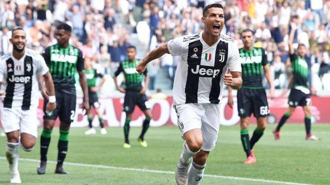 Cristiano Ronaldo in gol (foto Ansa)