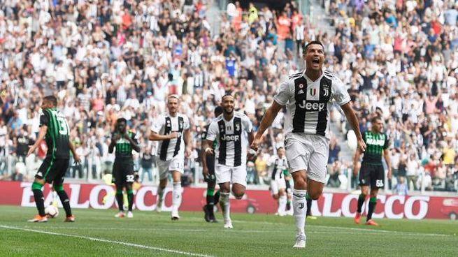 L'esultanza di Cristiano Ronaldo: primi gol in A per CR7