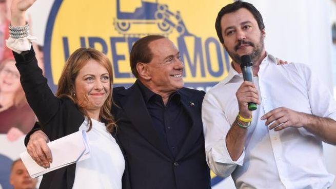 Giorgia Meloni, Silvio Berlusconi e Matteo Salvini (Newpress)