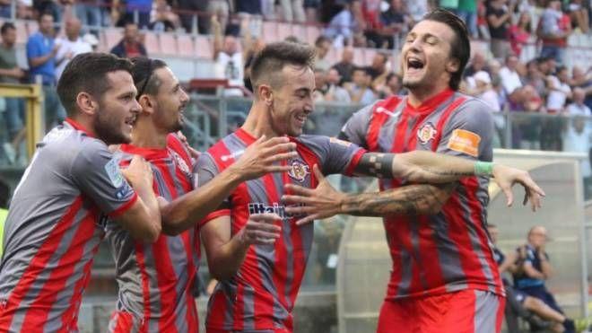 La squadra grigiorossa punta alla seconda vittoria casalinga consecutiva con il Cosenza