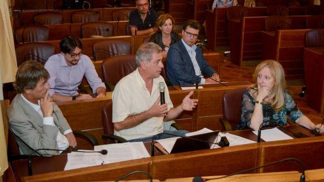 Dibattito acceso durante la commissione Welfare