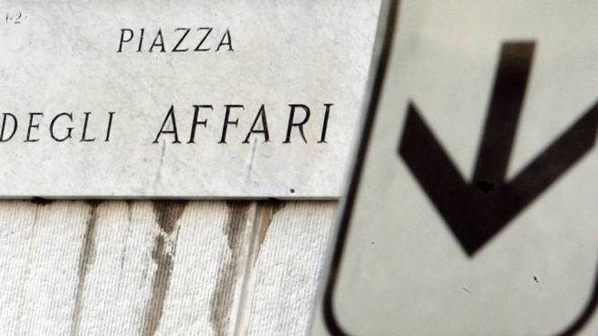 Borsa, Piazza Affari (Ansa)