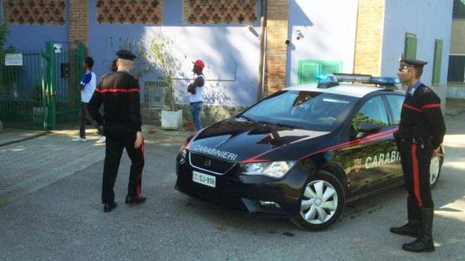 I carabinieri in azione dopo l'aggressione
