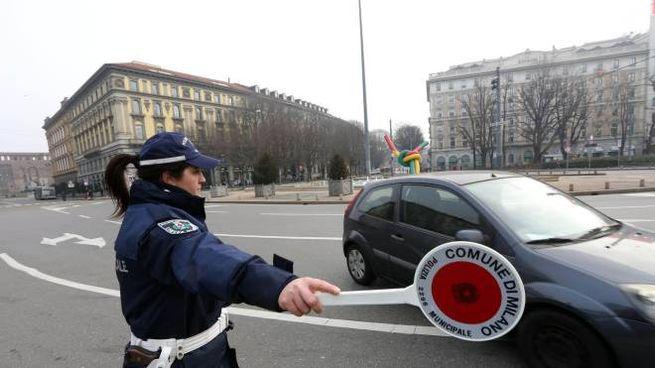 Blocco auto a Milano