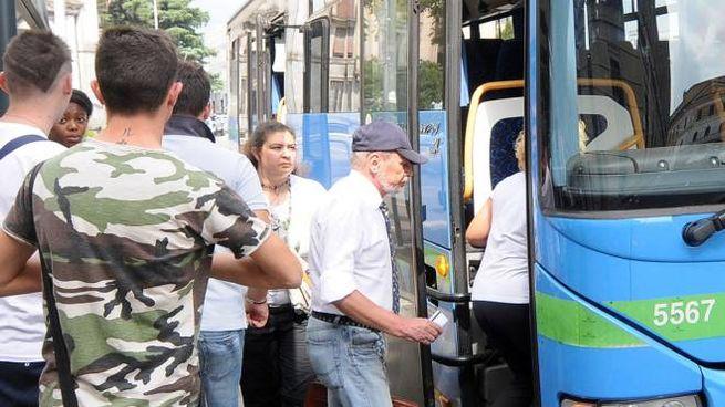 POLEMICA Un autobus Movibus: mercoledì mattina si terrà un incontro tra i sindaci e i tecnici nelle sale di Città Metropolitana