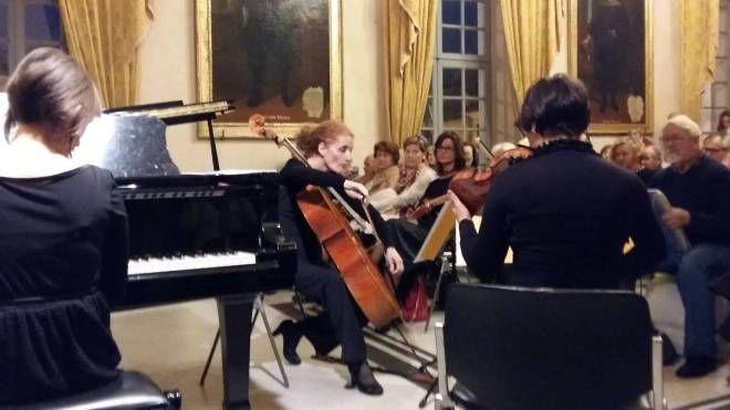 Un concerto in sala consiliare della rassegna organizzata dall'associazione il Pianoforte