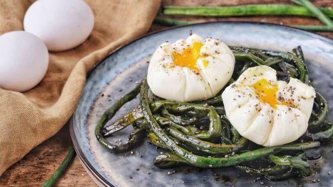Fagiolini toscani teriyaki con uovo pochette