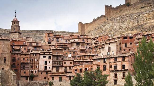 Albarracín è stato votato il borgo più bello di Spagna - Foto: imaqs/iStock