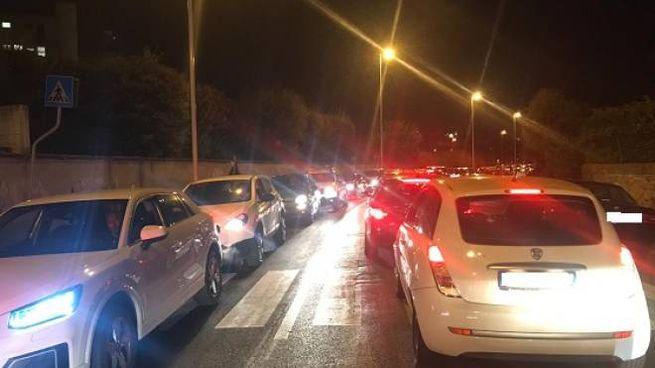 Traffico bloccato in via Alderotti (Fotocronache  Germogli)