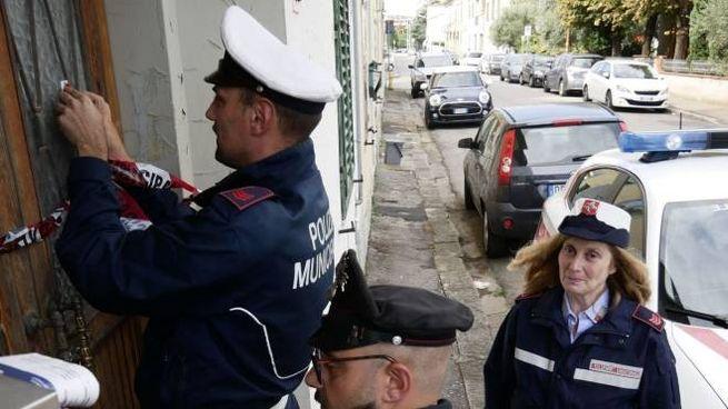 La polizia municipale mette i sigilli