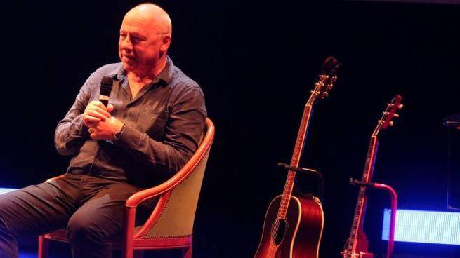 Mark Knopfler a Cesena, teatro Bonci pieno per l'ex Dire Straits (Foto Ravaglia)