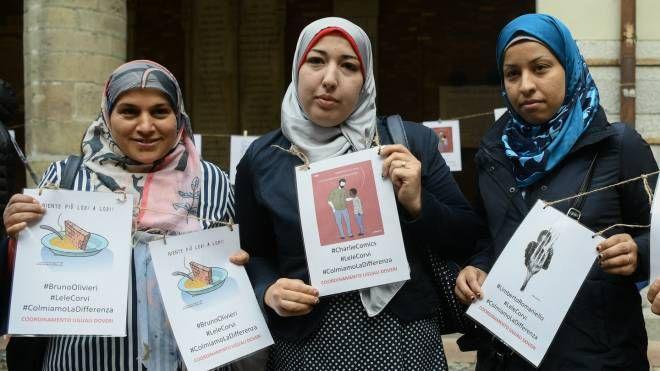 Protesta per il caso mese a Lodi (Lapresse)
