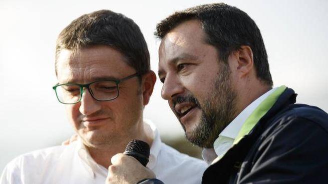 Matteo Salvini a un comizio con Maurizio Fugatti (Ansa)
