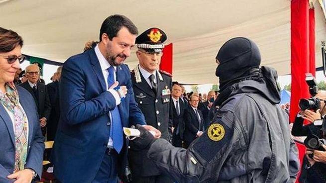 Il ministro dell'Interno Matteo Salvini durante cerimonia per 40 anni del Gis  (Instagram)