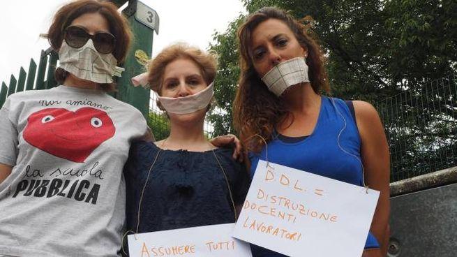 La protesta contro la mancanza di insegnanti di sostegno