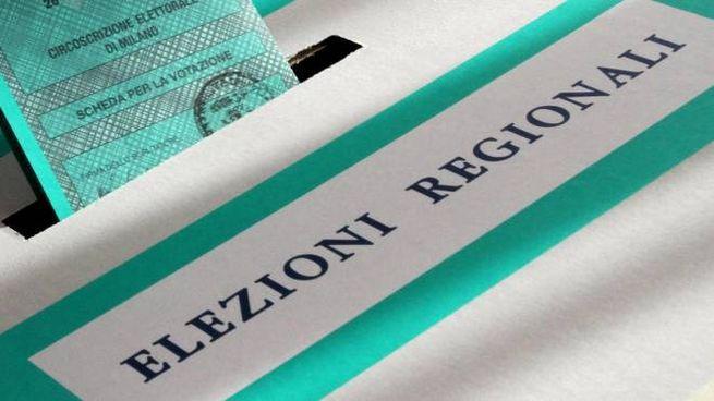 Un seggio allestito per le elezioni regionali (Ansa)