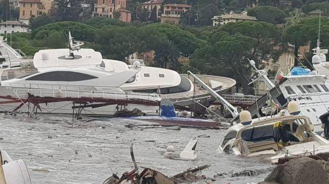 Rapallo, il porto e gli yacht devastati (Ansa)
