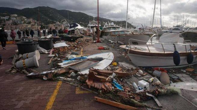 La distruzione del porto di Rapallo (Ansa)