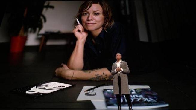 Sara Franci su maxischermo durante la prima mondiale dell'iPad pro