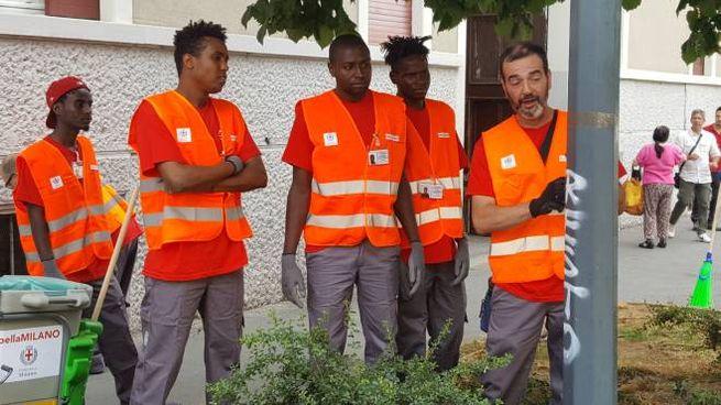 """Il team di """"Bella Milano"""" fatto da richiedenti asilo, disoccupati ed ex detenuti"""