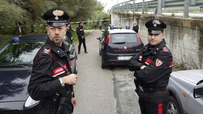 Carabinieri sul luogo del tragico ritrovamento (Zeppilli)