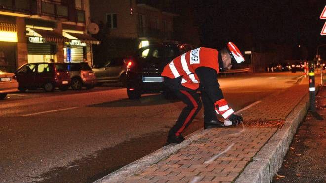 I rilievi dei carabinieri sul luogo dell'incidente