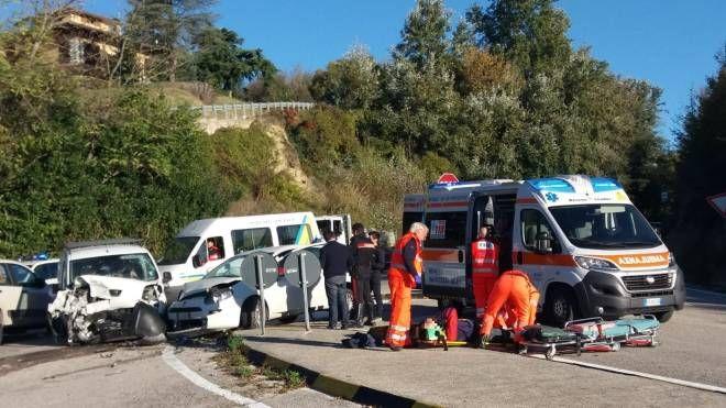 L'incidente di Montegiorgio (Foto Zeppilli)