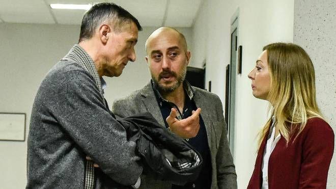Al centro Luca Rossoni, nipote di un anziano morto in circostanze sospette