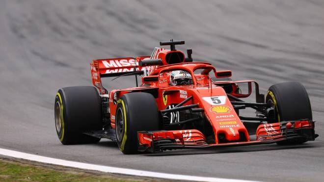 Vettel in pista in Brasile (Lapresse)